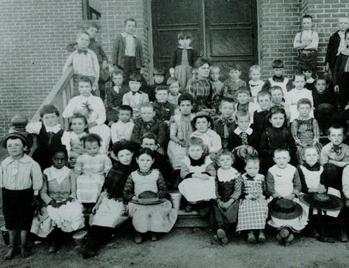 Students of Kingsbury in the past